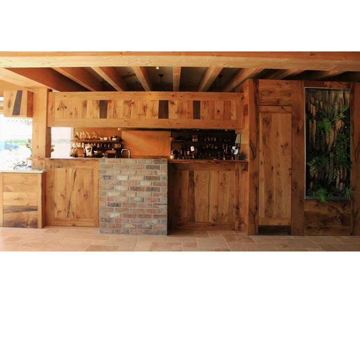 Agencement de cuisine en bois massif