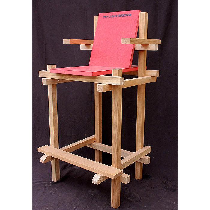 chaise haute d 39 exterieur en palette. Black Bedroom Furniture Sets. Home Design Ideas