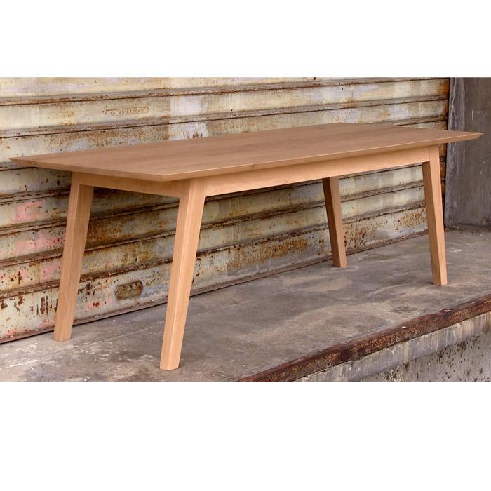 table en chêne massif , ébéniste.
